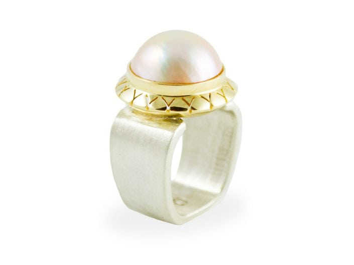 Pearl on Gold Bezel Ring